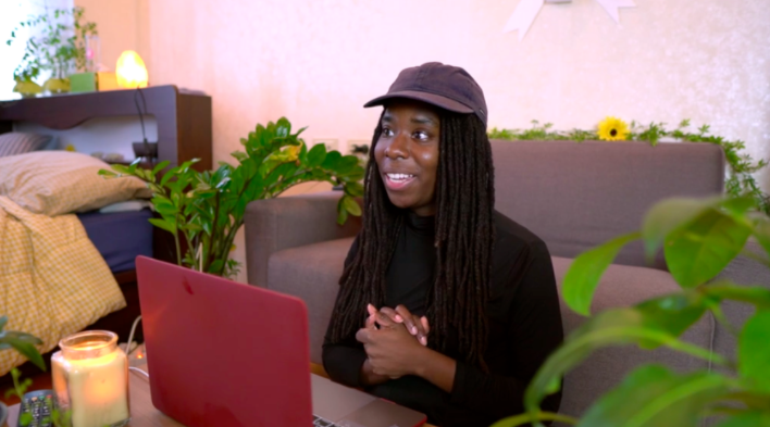 Make sure you have a job that you can take with you, says Skillshare instructor  Daycia Harley .