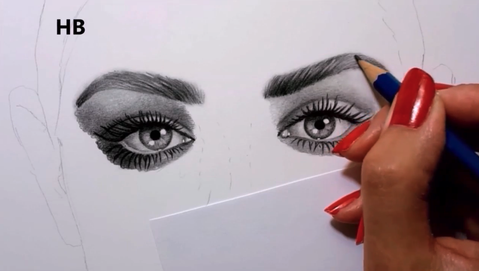 Short pencil strokes will help you create realistic eyebrows.