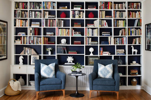 Laura Hodges designed the home library of your dreams in this house.