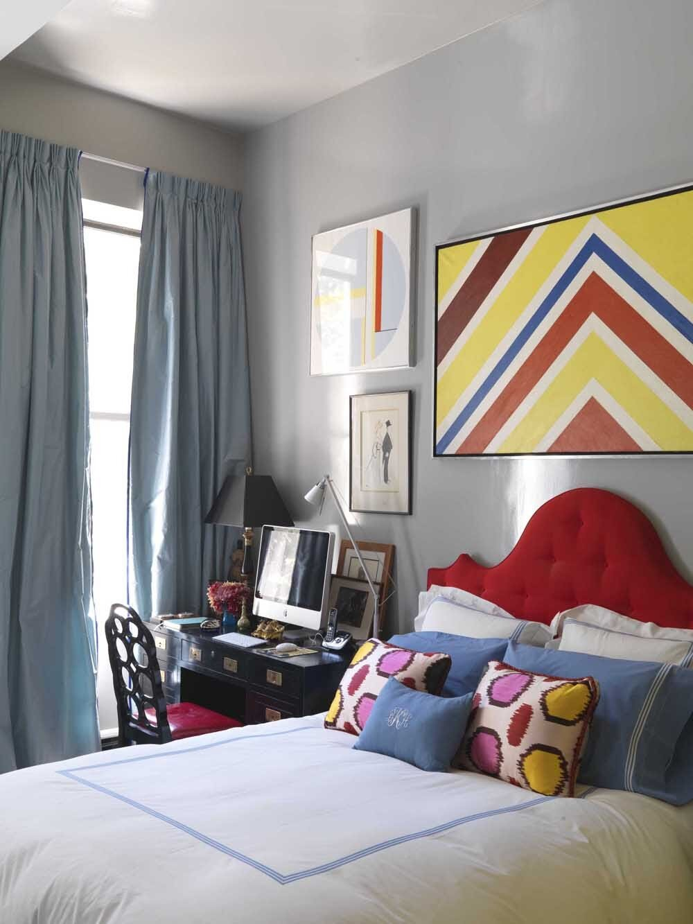 This Redd Kaihoi bedroom mixes clean, simple items with pops of primary colors.