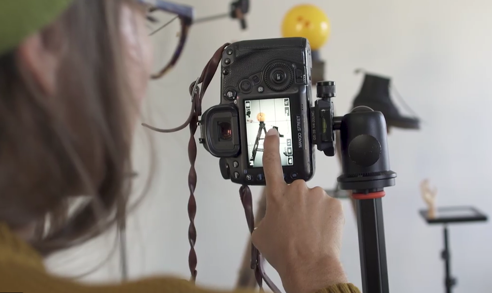 Sample equipment set-up from Rachel Gulotta and Daniel Inskeep's Skillshare class on DIY product photography.