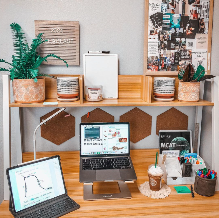 Source: Instagram   @chaosandcalling    Your desk sets the backdrop for the rest of your setup, so make sure it's the right size and style for your needs.
