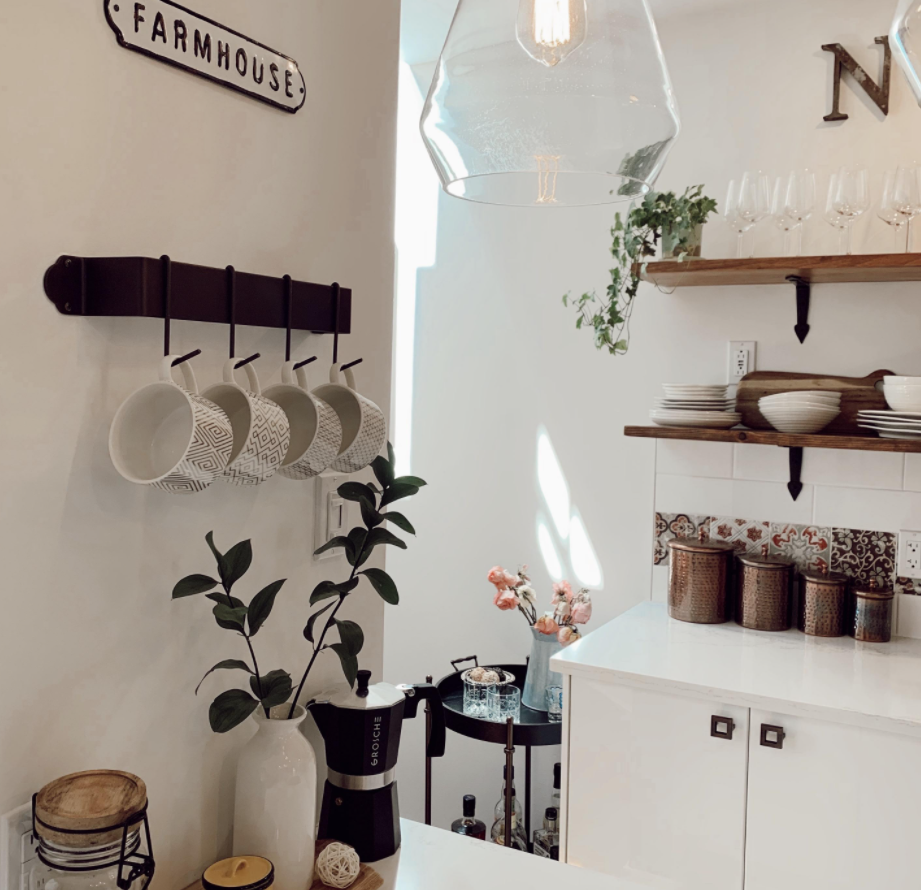 Skillshare student Ariane Coleman shows off a kitchen space defined by farmhouse elements.