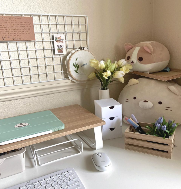 Source: Instagram   @chellysdesk    Organization needs vary, but always plan on having some solution for keeping the clutter at bay.