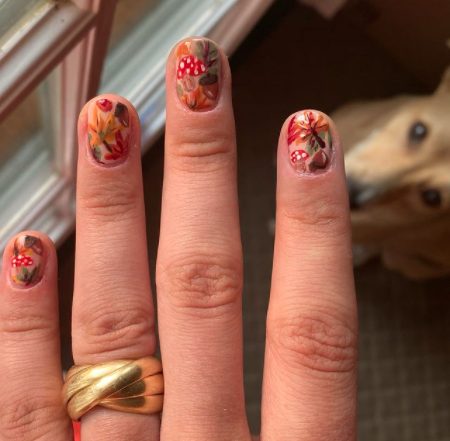 Image via  Instagram    Nothing says fall like foliage… on your nails.